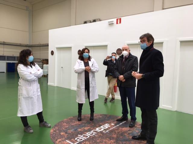 LABENCOR ha tenido el placer de recibir en sus instalaciones al Alcalde de Vitoria-Gasteiz, Gorka Urtaran.